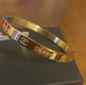 Gorgeous ❤️ Gold Bracelet